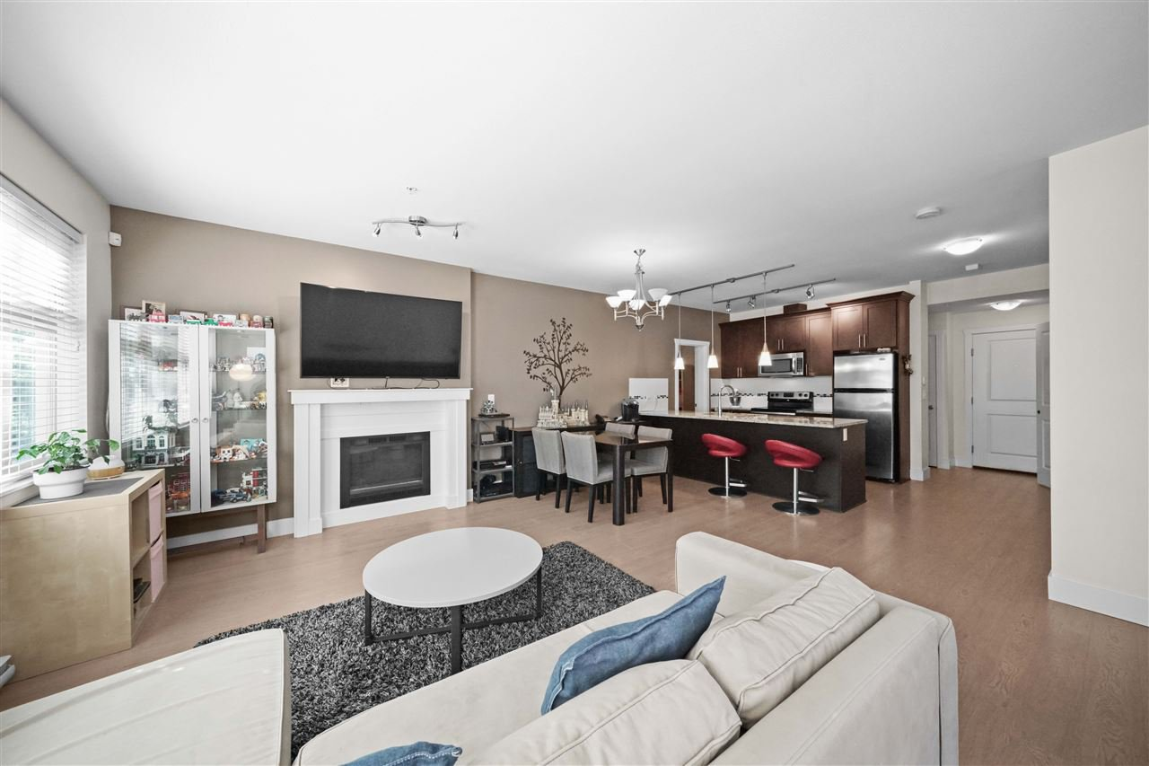 Main Photo: 107 2330 SHAUGHNESSY STREET in Port Coquitlam: Central Pt Coquitlam Condo for sale : MLS®# R2487509