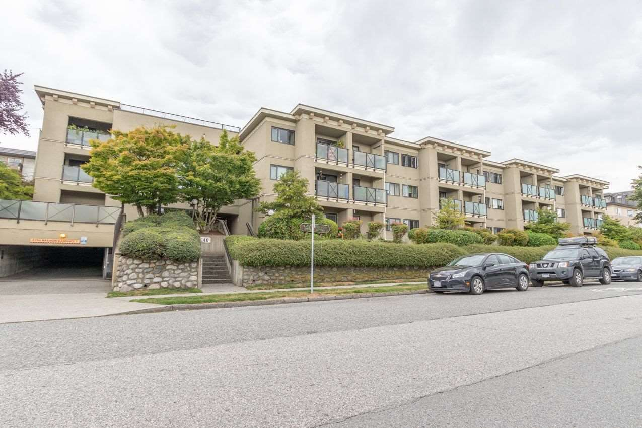 """Main Photo: 209 140 E 4TH Street in North Vancouver: Lower Lonsdale Condo for sale in """"HARBOURSIDE TERRACE"""" : MLS®# R2496129"""