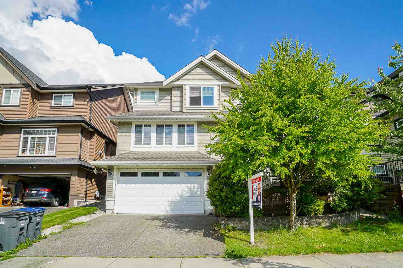 Main Photo: 7116 177A Street in Surrey: Cloverdale BC House for sale (Cloverdale)  : MLS®# R2508432