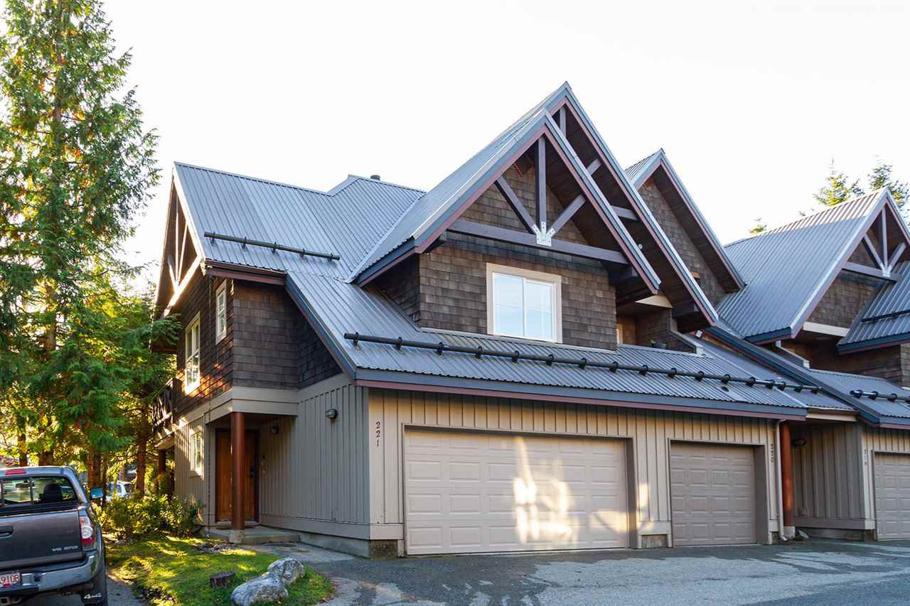 """Main Photo: 221 2222 CASTLE Drive in Whistler: Nordic Townhouse for sale in """"2222 CASTLE"""" : MLS®# R2513625"""