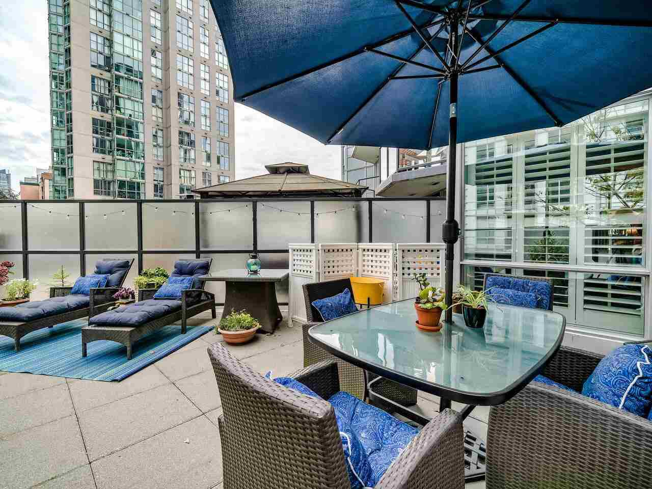Main Photo: 305 1212 HOWE Street in Vancouver: Downtown VW Condo for sale (Vancouver West)  : MLS®# R2515062