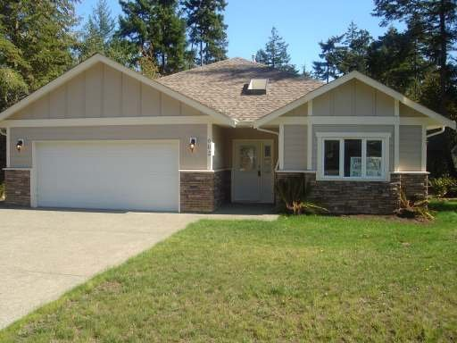 Main Photo: 602 STICKLEBACK ROAD in COMOX: Residential Detached for sale : MLS®# 242156