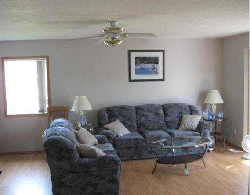 Photo 2: Photos: 3912 COTTONWOOD Road in Fort_Nelson: Fort Nelson -Town House for sale (Fort Nelson (Zone 64))  : MLS®# N183359