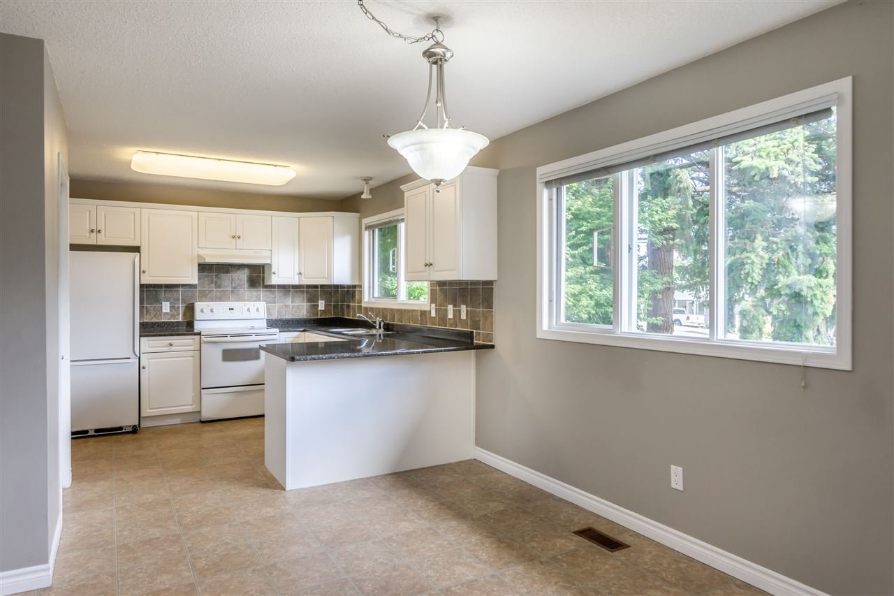 "Photo 2: Photos: 34779 MARSHALL Road in Abbotsford: Abbotsford East House for sale in ""McMillan"" : MLS®# R2397046"