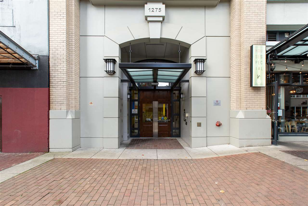 "Main Photo: 411 1275 HAMILTON Street in Vancouver: Yaletown Condo for sale in ""ALDA"" (Vancouver West)  : MLS®# R2408571"