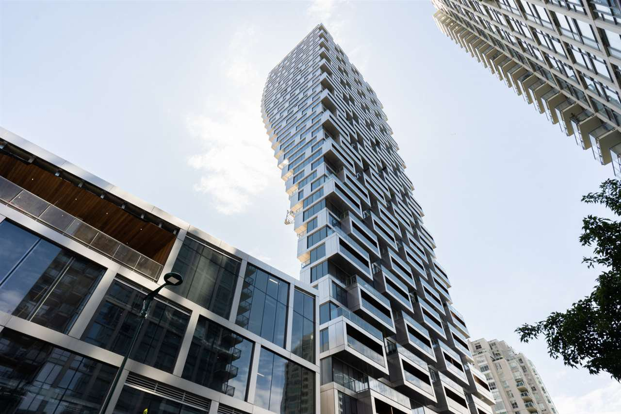 """Photo 2: Photos: 1506 1480 HOWE Street in Vancouver: Downtown VW Condo for sale in """"Vancouver House"""" (Vancouver West)  : MLS®# R2462014"""