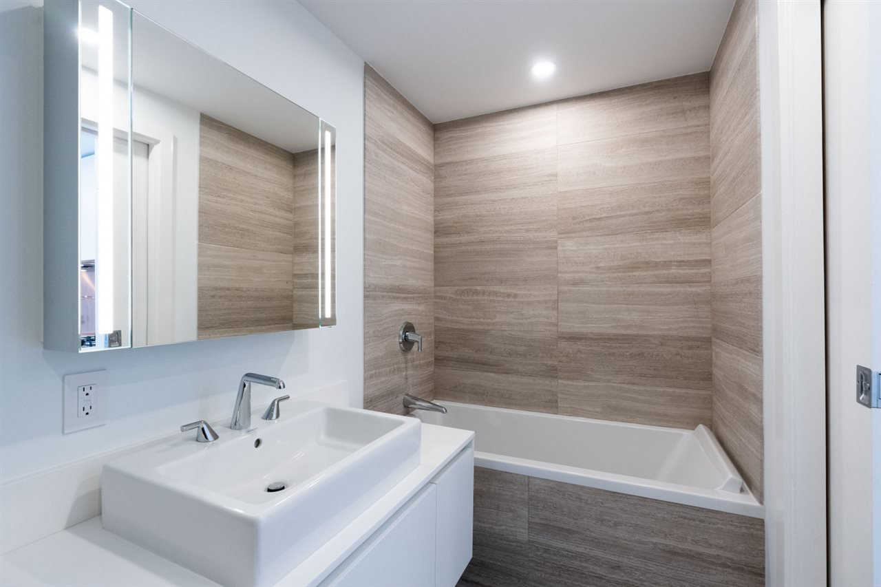 """Photo 11: Photos: 1506 1480 HOWE Street in Vancouver: Downtown VW Condo for sale in """"Vancouver House"""" (Vancouver West)  : MLS®# R2462014"""
