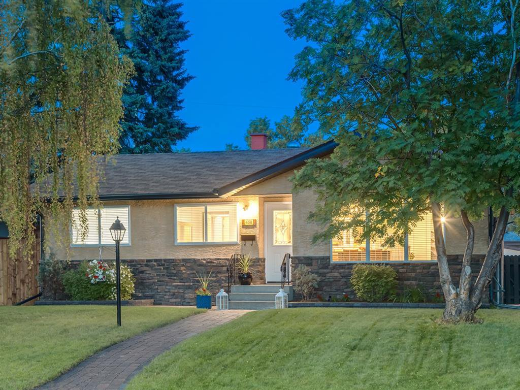 Main Photo: 438 Astoria Crescent SE in Calgary: Acadia Detached for sale : MLS®# A1010391