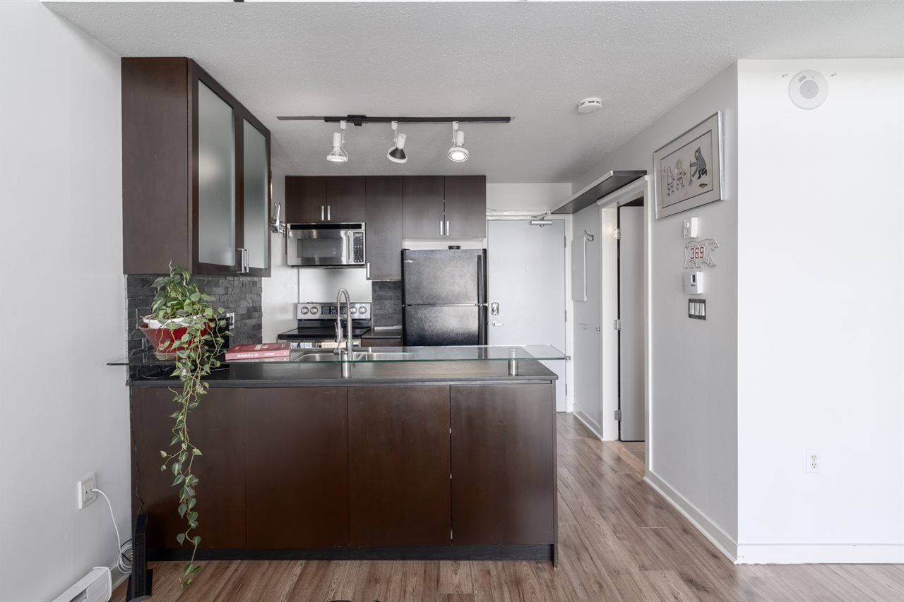 "Photo 10: Photos: 605 22 E CORDOVA Street in Vancouver: Downtown VE Condo for sale in ""Van Horne"" (Vancouver East)  : MLS®# R2488632"