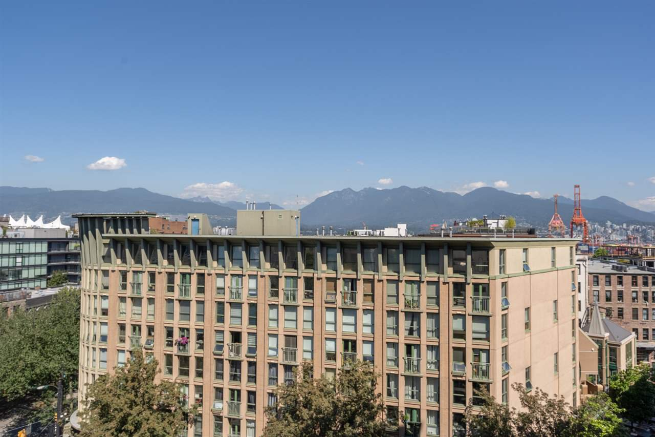 "Photo 29: Photos: 605 22 E CORDOVA Street in Vancouver: Downtown VE Condo for sale in ""Van Horne"" (Vancouver East)  : MLS®# R2488632"