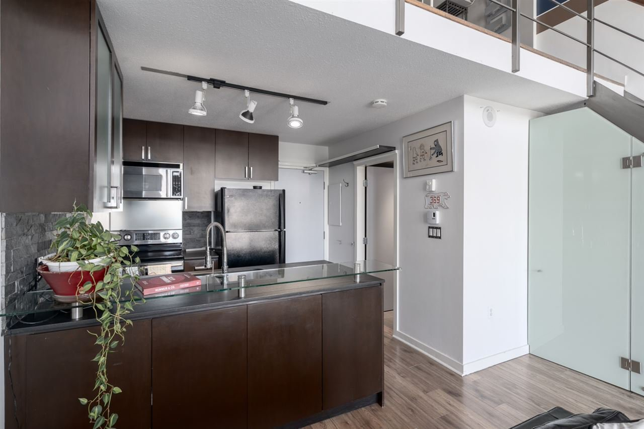 "Photo 11: Photos: 605 22 E CORDOVA Street in Vancouver: Downtown VE Condo for sale in ""Van Horne"" (Vancouver East)  : MLS®# R2488632"