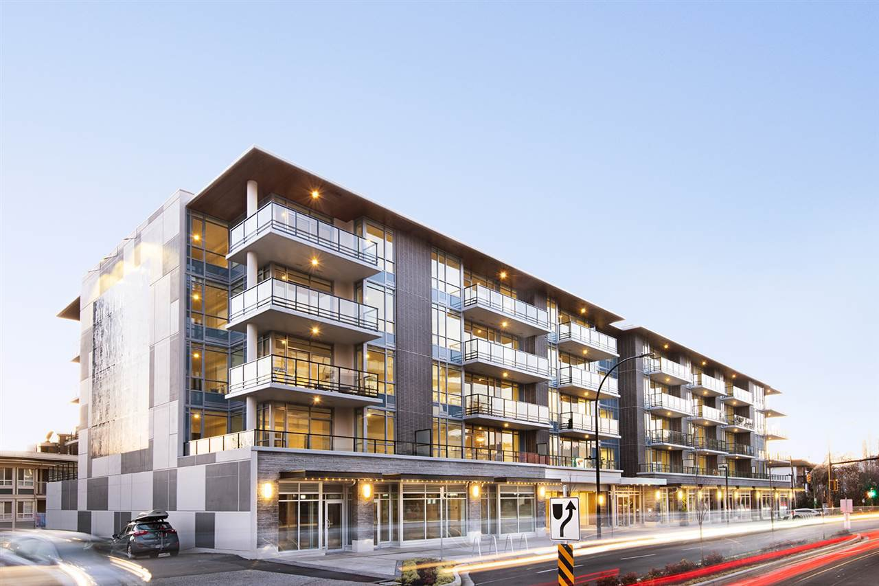 """Main Photo: 301 177 W 3RD Street in North Vancouver: Lower Lonsdale Condo for sale in """"WEST THIRD"""" : MLS®# R2521467"""