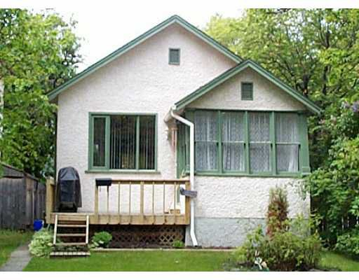 Main Photo: 119 LANARK Street in WINNIPEG: River Heights / Tuxedo / Linden Woods Single Family Detached for sale (South Winnipeg)  : MLS®# 2108286