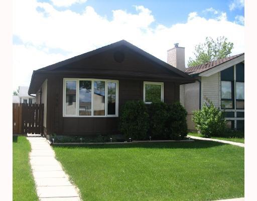 Main Photo: 686 ADSUM Drive in WINNIPEG: Maples / Tyndall Park Residential for sale (North West Winnipeg)  : MLS®# 2810559
