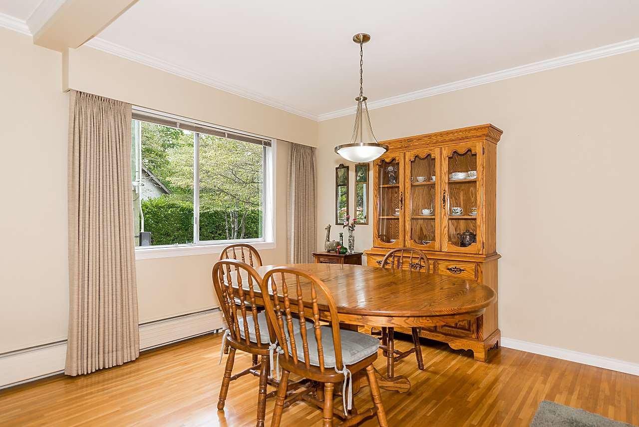 "Photo 5: Photos: 104 3784 W 16TH Avenue in Vancouver: Dunbar Condo for sale in ""Highbury Manor"" (Vancouver West)  : MLS®# R2389240"
