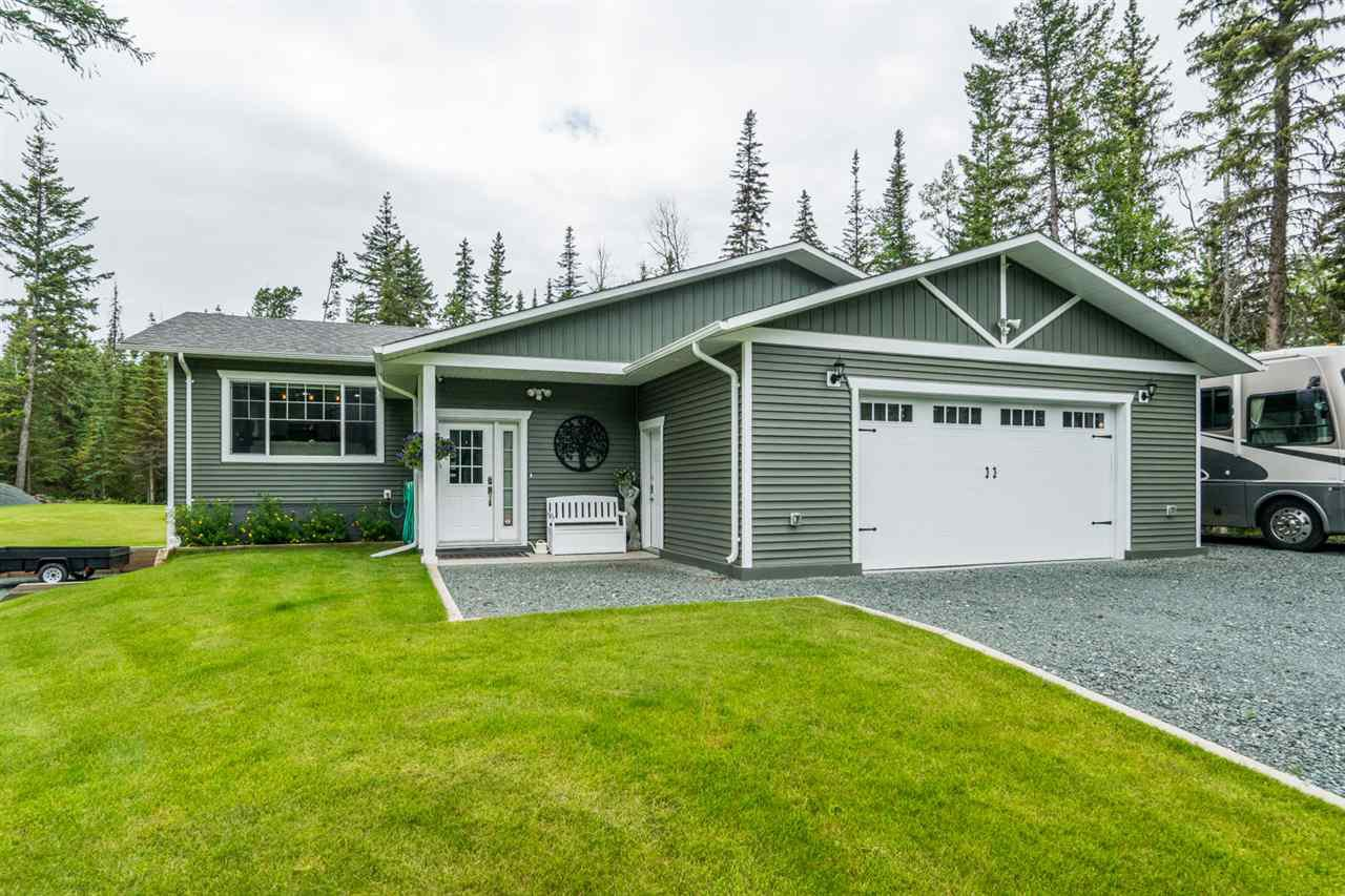 Main Photo: 2445 E SINTICH Avenue in Prince George: Pineview House for sale (PG Rural South (Zone 78))  : MLS®# R2485127