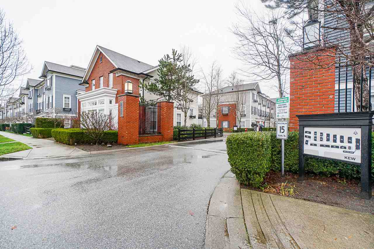 Main Photo: 13 18983 72A AVENUE in Surrey: Clayton Townhouse for sale (Cloverdale)  : MLS®# R2526429