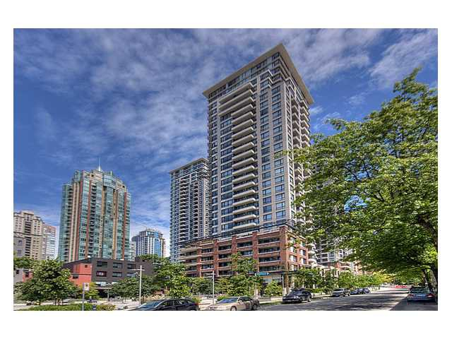 "Main Photo: # 1410 977 MAINLAND ST in Vancouver: Downtown VW Condo for sale in ""YALETOWN PARK 3"" (Vancouver West)  : MLS®# V836705"