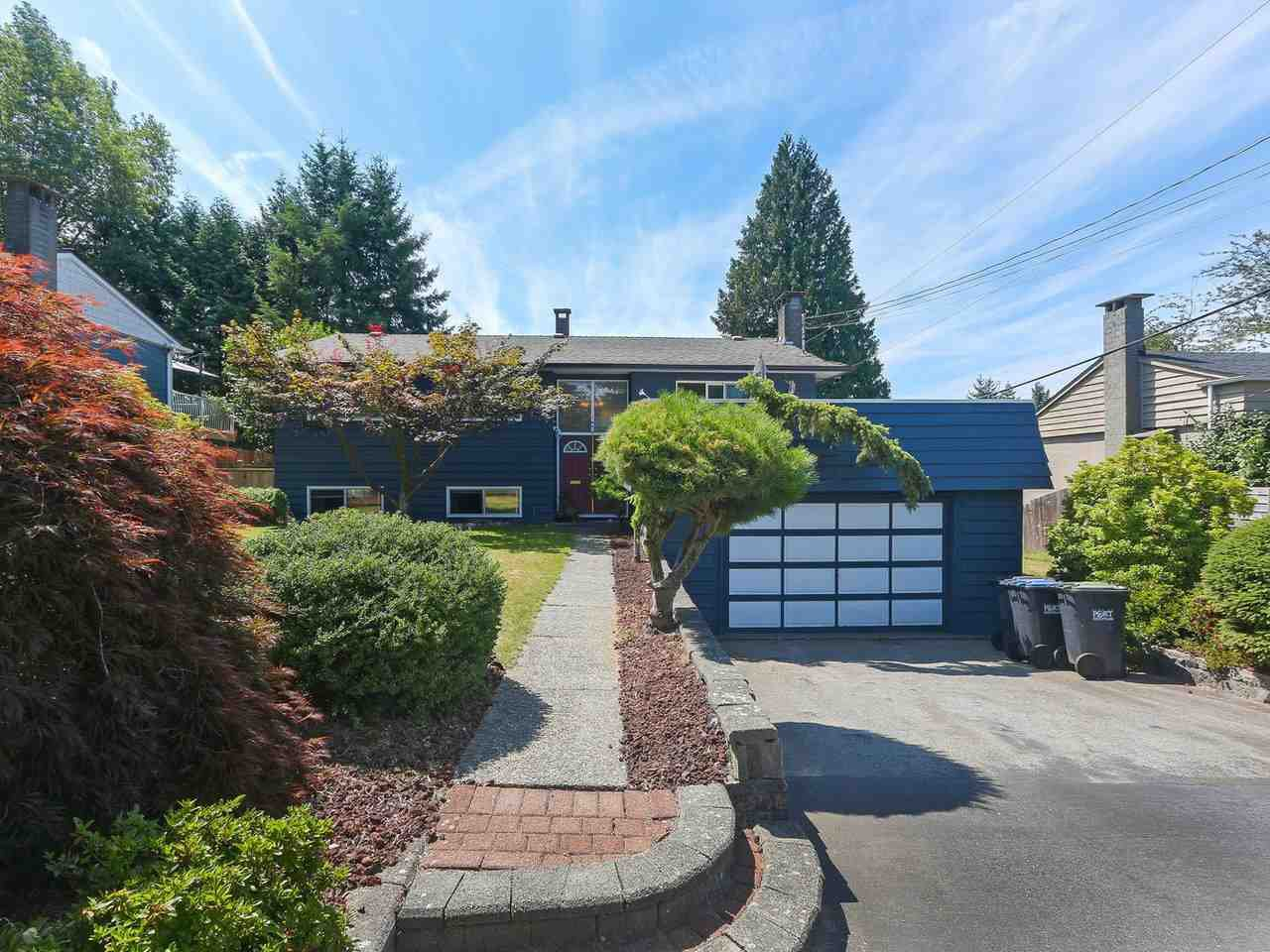Main Photo: 1479 CELESTE Crescent in Port Coquitlam: Mary Hill House for sale : MLS®# R2390707