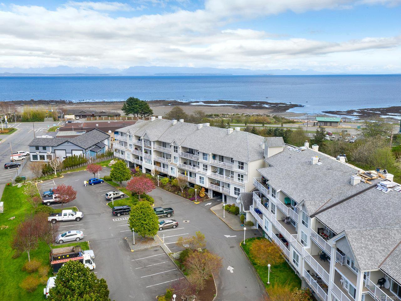 Main Photo: 311 155 Erickson Rd in CAMPBELL RIVER: CR Willow Point Condo for sale (Campbell River)  : MLS®# 829801
