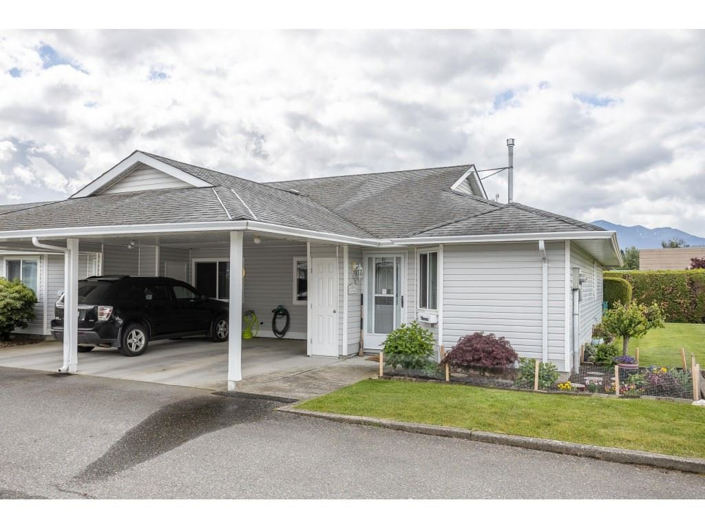 "Main Photo: 116 7610 EVANS Road in Chilliwack: Sardis West Vedder Rd Townhouse for sale in ""COTTONWOOD RETIREMENT VILLAGE"" (Sardis)  : MLS®# R2457959"