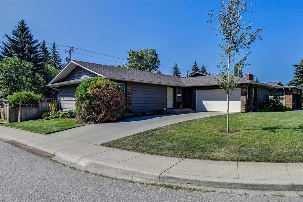 Main Photo: 751 PARKWOOD Way SE in Calgary: Parkland Detached for sale : MLS®# A1020038