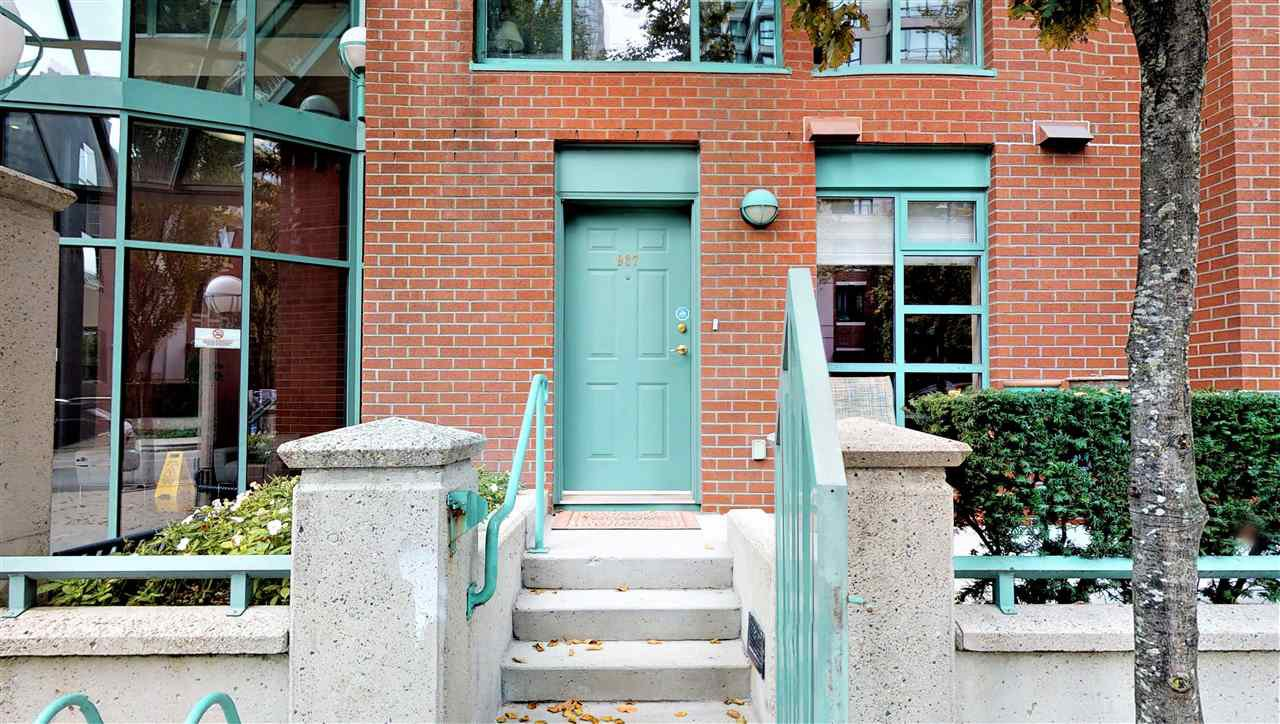 Main Photo: TH 937 HOMER STREET in Vancouver: Yaletown Townhouse for sale (Vancouver West)  : MLS®# R2499588