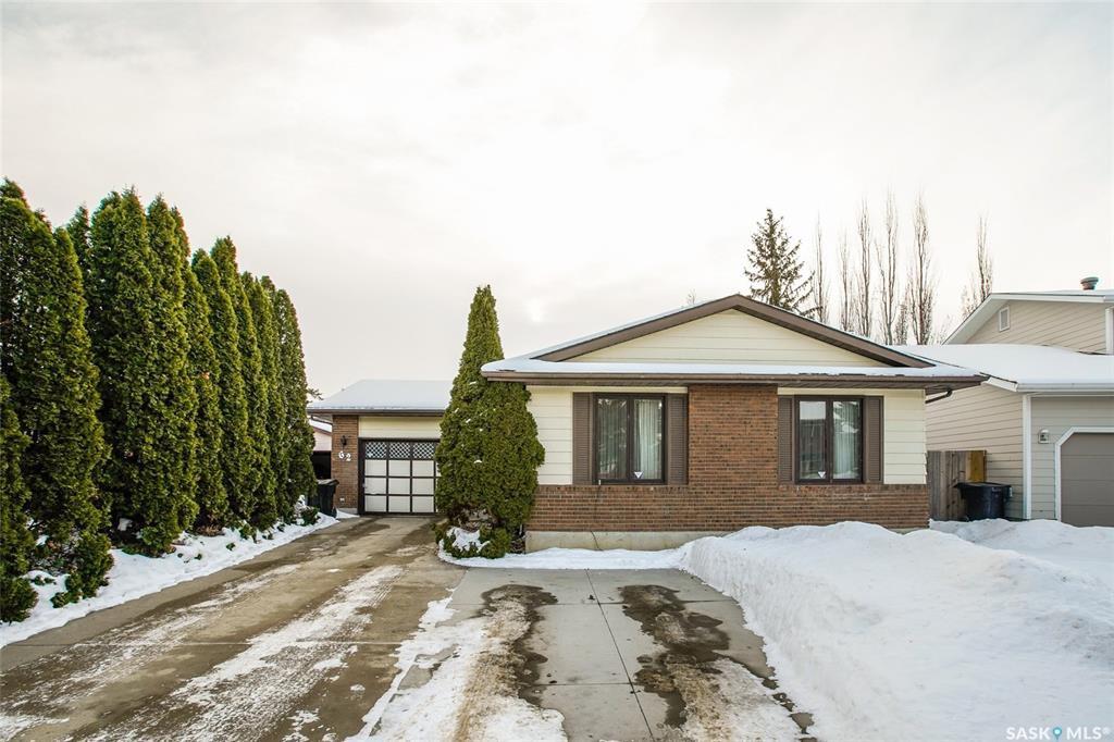 Main Photo: 62 Roborecki Terrace in Saskatoon: Silverwood Heights Residential for sale : MLS®# SK836258
