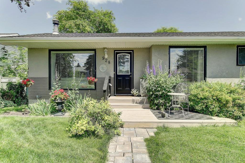 Main Photo: 928 ARCHWOOD Road SE in Calgary: Acadia Detached for sale : MLS®# C4258143