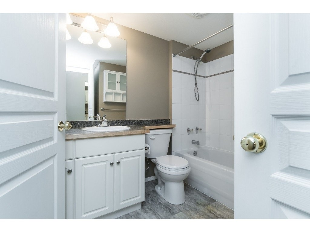 "Photo 12: Photos: 208 33480 GEORGE FERGUSON Way in Abbotsford: Central Abbotsford Condo for sale in ""CARMONDY RIDGE"" : MLS®# R2392370"