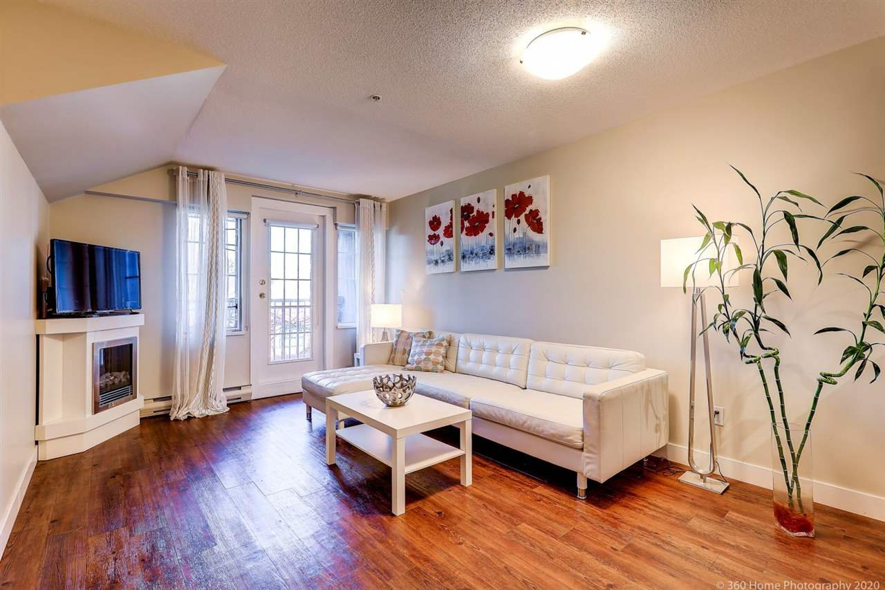 "Main Photo: 407 929 W 16TH Avenue in Vancouver: Fairview VW Condo for sale in ""OAKVIEW GARDENS"" (Vancouver West)  : MLS®# R2435736"