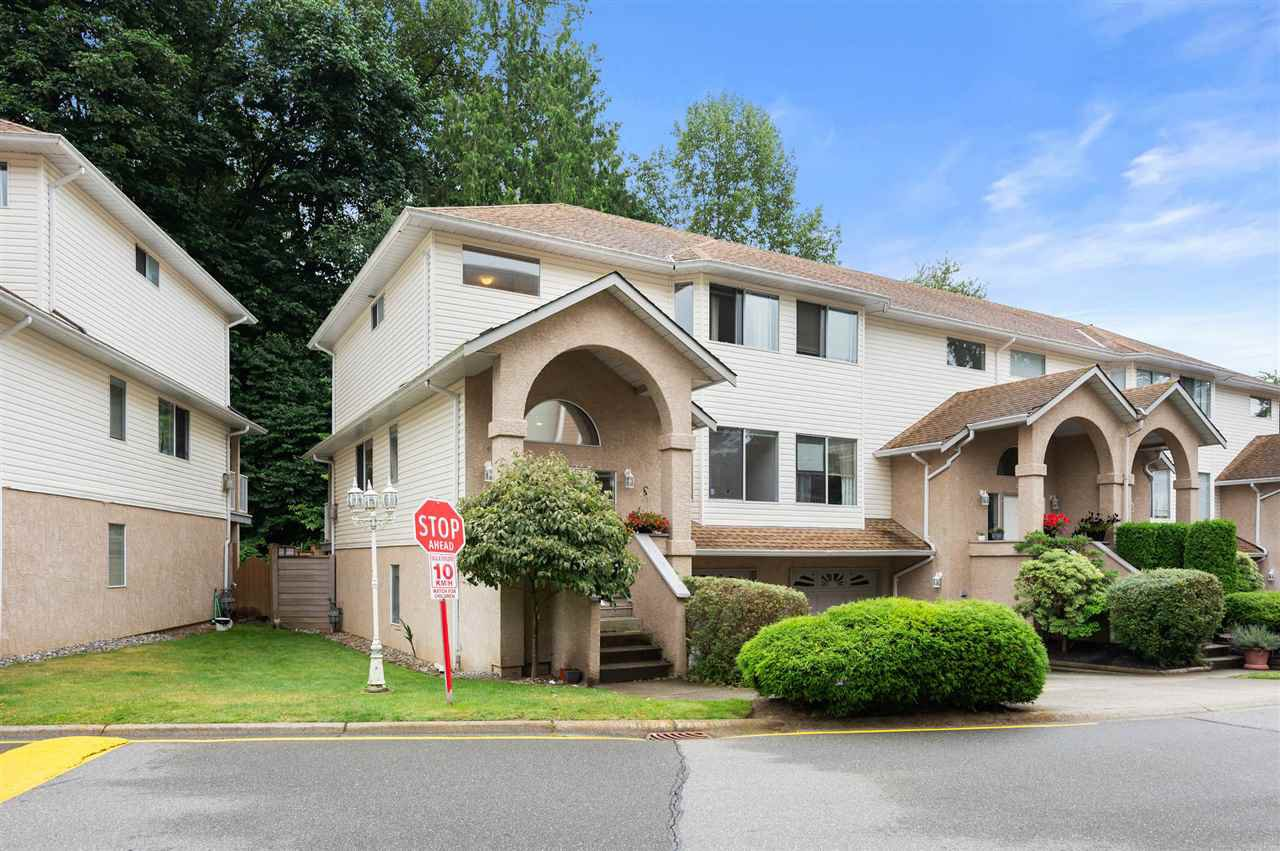 "Main Photo: 4 32339 7TH Avenue in Mission: Mission BC Townhouse for sale in ""Cedarbrooke Estates"" : MLS®# R2478400"