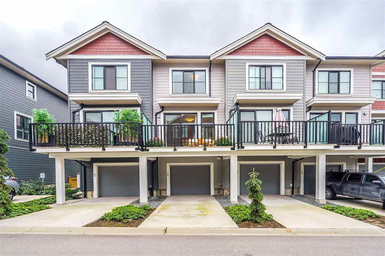 "Main Photo: 54 13260 236 Street in Maple Ridge: Silver Valley Townhouse for sale in ""ARCHSTONE ROCKRIDGE"" : MLS®# R2505320"