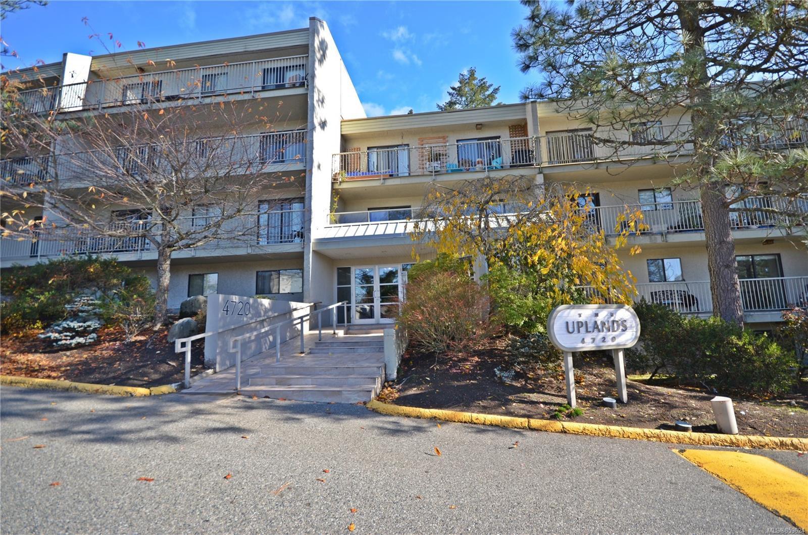 Main Photo: 405 4720 Uplands Dr in : Na North Nanaimo Condo for sale (Nanaimo)  : MLS®# 859624