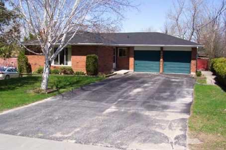 Main Photo: 490 Bay St in Beaverton: House (Bungalow) for sale (N24: BEAVERTON)  : MLS®# N1127467