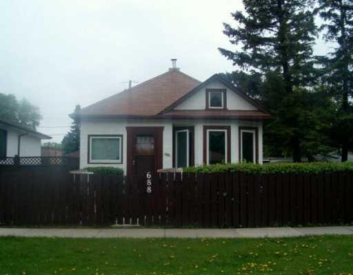 Main Photo: 688 PRINCE RUPERT Avenue in WINNIPEG: East Kildonan Single Family Detached for sale (North East Winnipeg)  : MLS®# 2708479