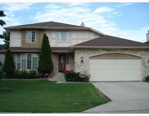 Main Photo: 148 KIRKBRIDGE Drive in WINNIPEG: Fort Garry / Whyte Ridge / St Norbert Residential for sale (South Winnipeg)  : MLS®# 2803157