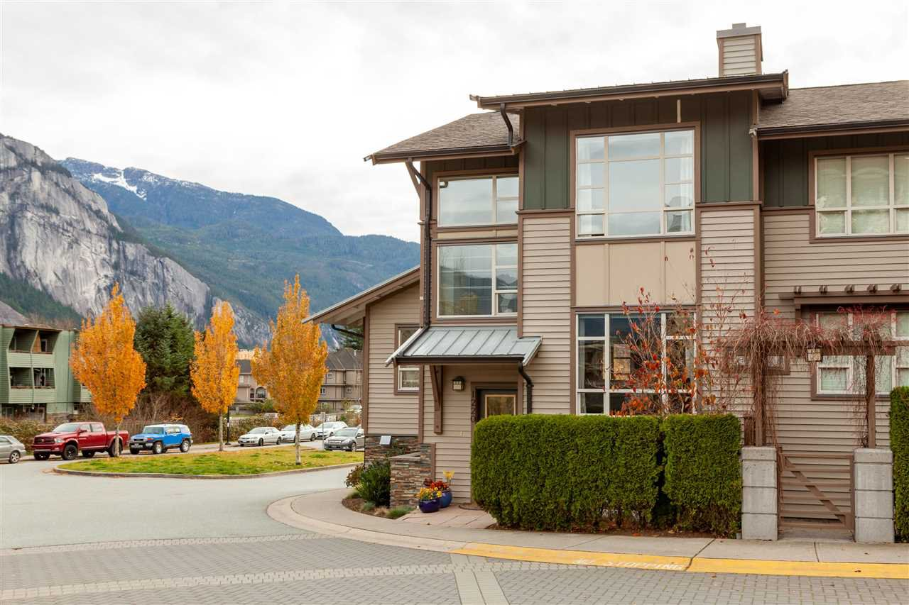 """Main Photo: 1220 VILLAGE GREEN Way in Squamish: Downtown SQ Townhouse for sale in """"EAGLEWIND TALON"""" : MLS®# R2418883"""