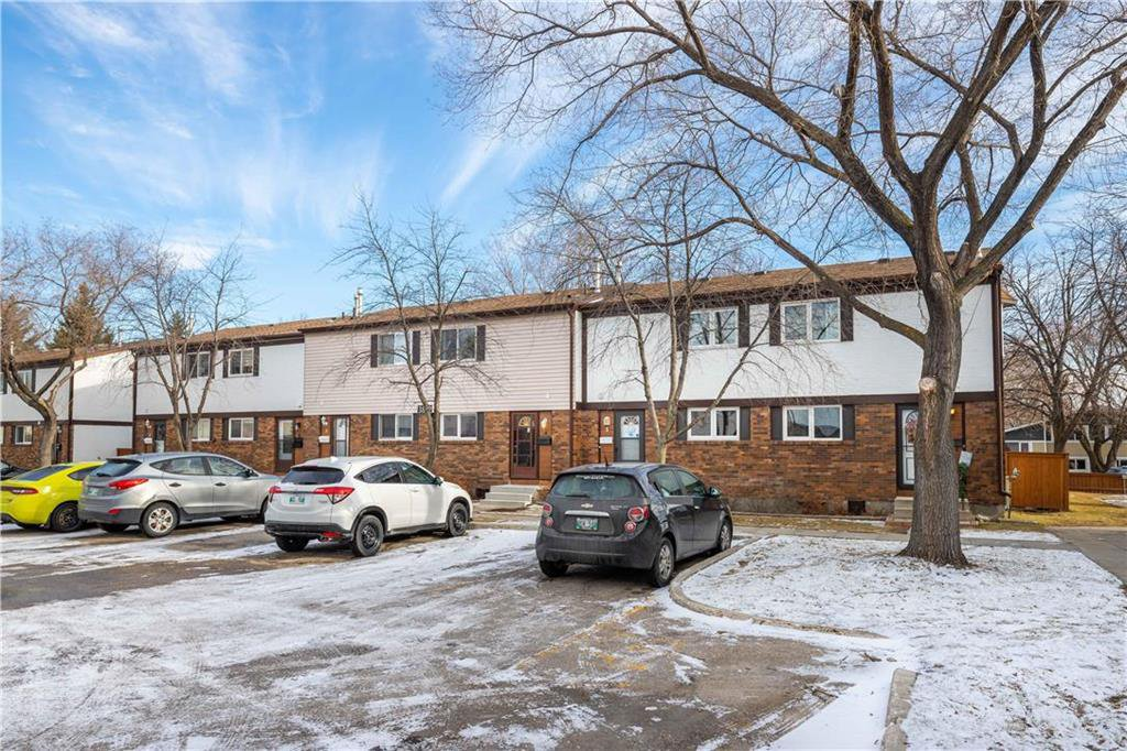 Main Photo: 4 3862 Ness Avenue in Winnipeg: Condominium for sale (5H)  : MLS®# 202028024