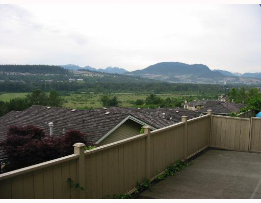 """Photo 3: Photos: 1143 BENNET Drive in Port_Coquitlam: Citadel PQ Townhouse for sale in """"THE SUMMIT"""" (Port Coquitlam)  : MLS®# V656544"""