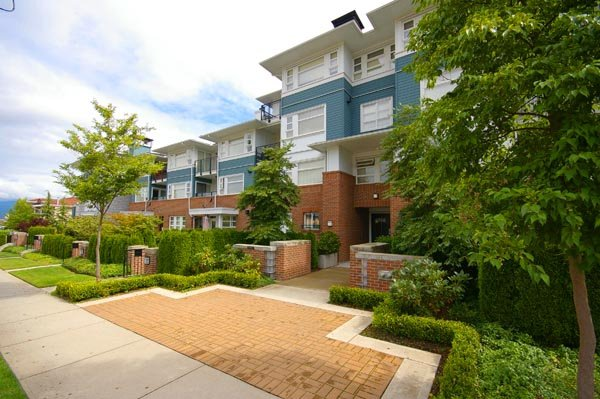"Main Photo: 316 6508 DENBIGH Avenue in Burnaby: Forest Glen BS Condo for sale in ""OAKWOOD"" (Burnaby South)  : MLS®# V664110"