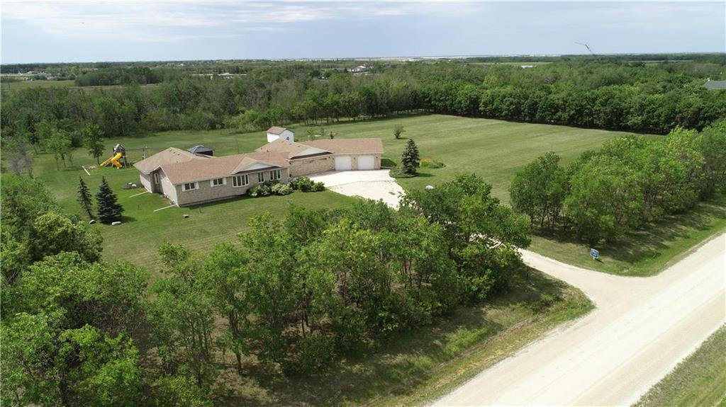 Bungalow 3,000+/- sq.ft, 4.34 Acres. Oversized Dbl. Att. Garage