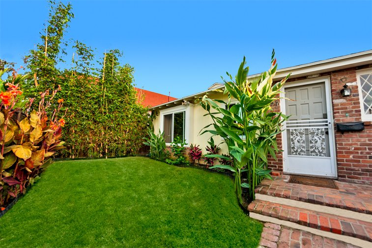 Main Photo: LA JOLLA House for sale : 2 bedrooms : 447 Westbourne Street