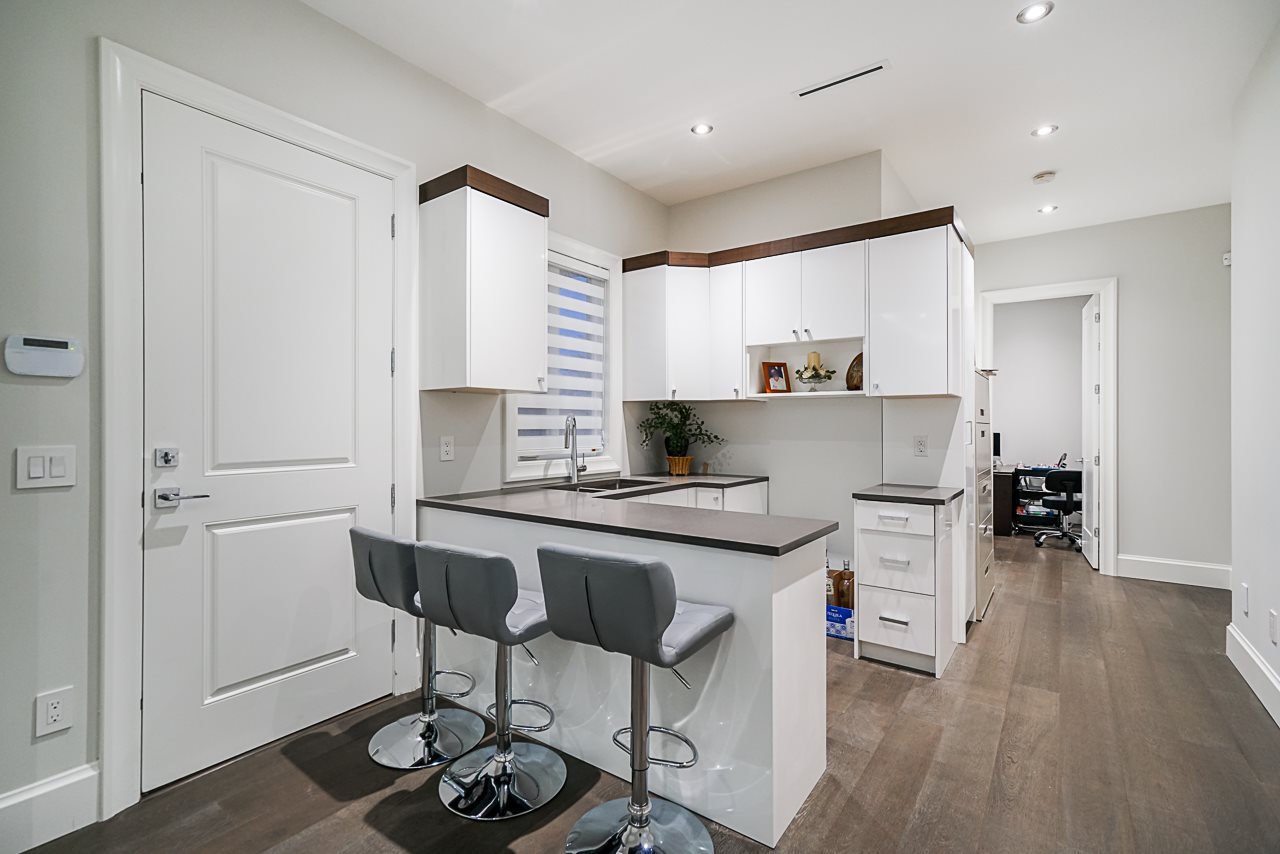 Photo 19: Photos: 2253 154 Street in Surrey: King George Corridor House for sale (South Surrey White Rock)  : MLS®# R2497408
