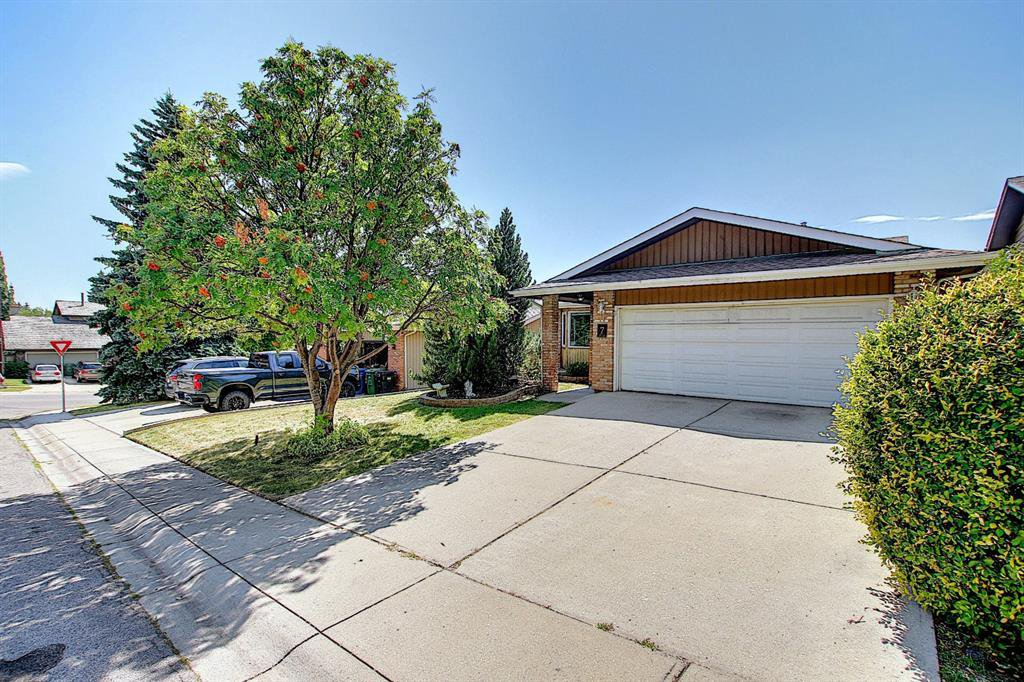 Main Photo: 7 Ranch Estates Road in Calgary: Ranchlands Detached for sale : MLS®# A1046297