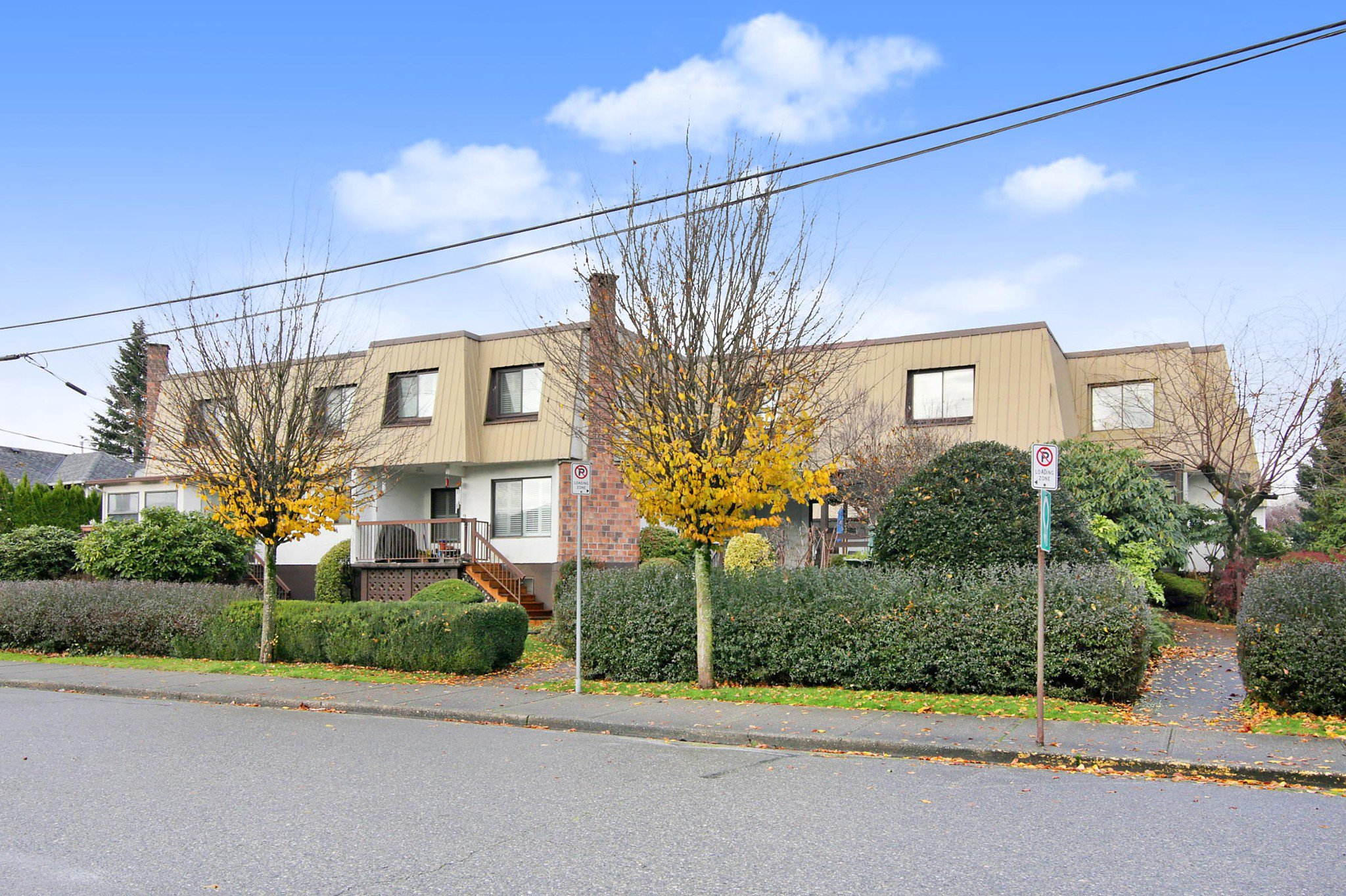 """Main Photo: 10 46085 GORE Avenue in Chilliwack: Chilliwack E Young-Yale Townhouse for sale in """"Sherwood Gardens"""" : MLS®# R2520508"""