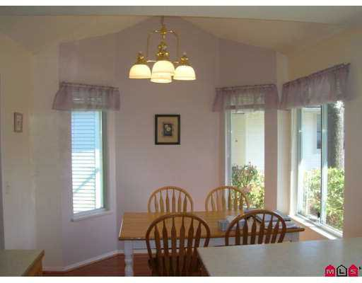 """Photo 4: Photos: 9045 WALNUT GROVE Drive in Langley: Walnut Grove Townhouse for sale in """"Bridlewood"""" : MLS®# F2708026"""