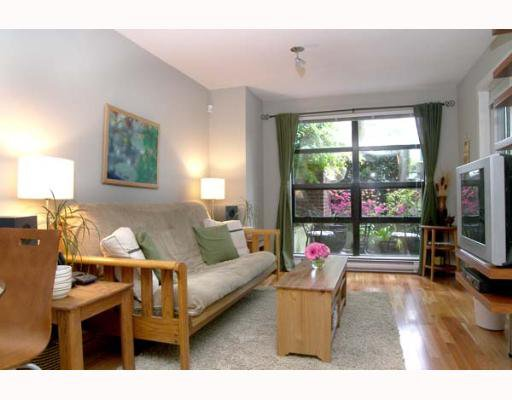 "Main Photo: 106 2137 W 10TH Ave in Vancouver: Kitsilano Condo for sale in ""ADERA"" (Vancouver West)  : MLS®# V646338"