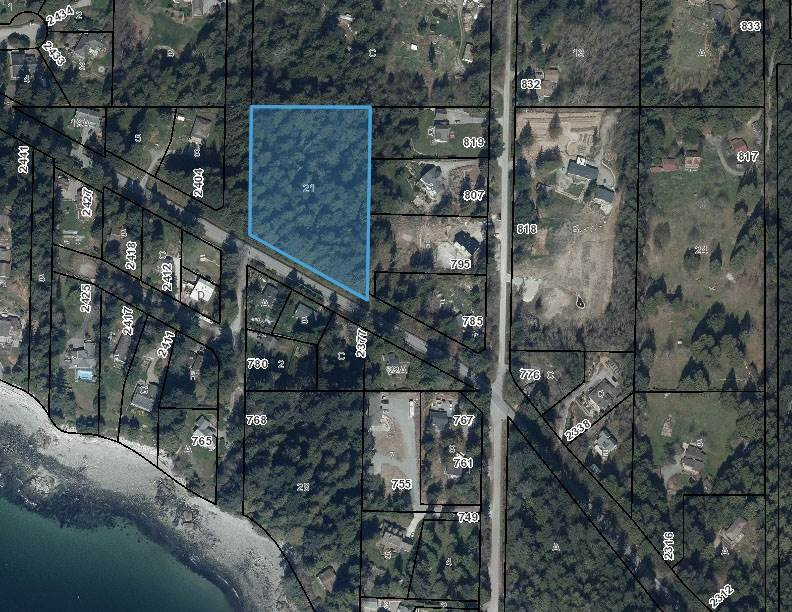 Estate size property has subdivision potential