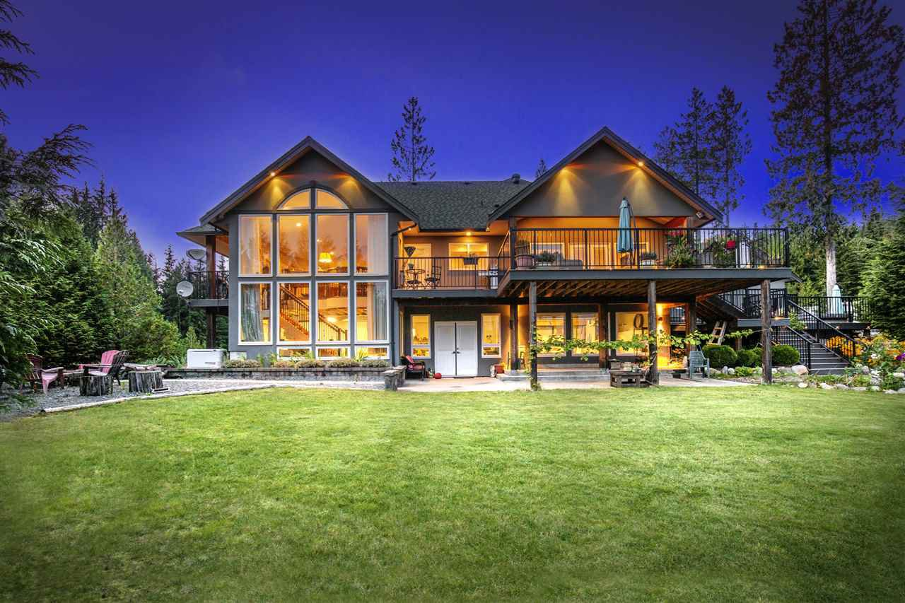 Main Photo: 12330 CARDINAL Place in Mission: Mission BC House for sale : MLS®# R2505071